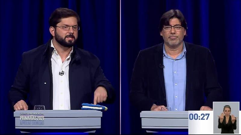 """Boric responde a Teillier por el """"anticomunismo"""""""