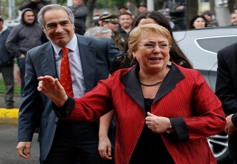 Bachelet es emplazada por presidente de RN para enviar observadores a Cuba