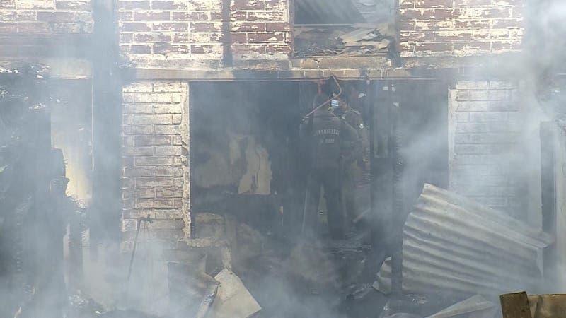 Al menos 15 viviendas consumidas por incendio en Melipilla