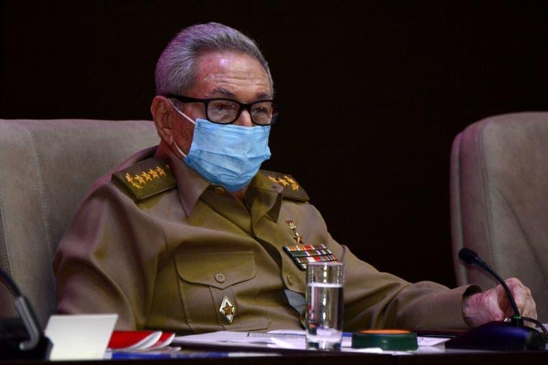 Raúl Castro reaparece tras protestas que dejan un centenar de detenidos en Cuba