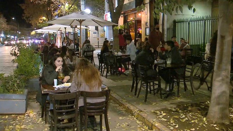 Recién en tres meses más la región Metropolitana podría tener toque de queda a las 00 horas