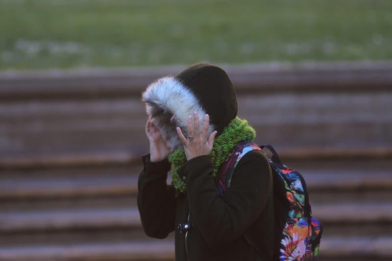 Hasta tres grados bajo cero: Meteorología emite alerta por heladas en la zona central del país