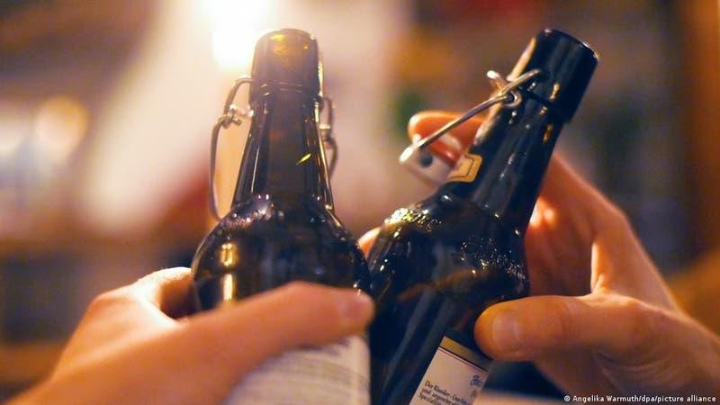 Estudio plantea que el consumo de alcohol podría estar relacionado con el cáncer