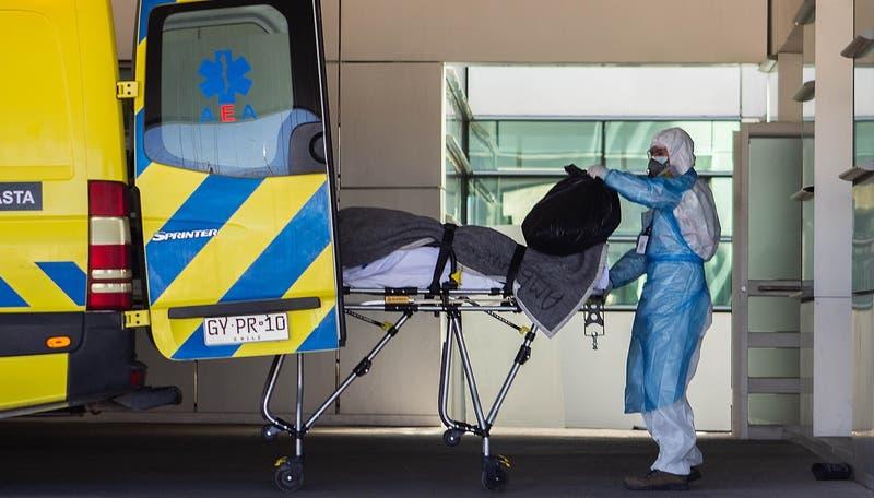 Chile registra 2.336 nuevos casos de COVID-19: positividad baja a su mínimo de toda la pandemia