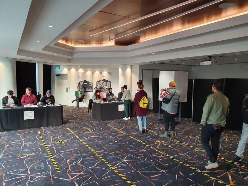 En Nueva Zelanda se abrió la primera mesa de votación de las Primarias 2021