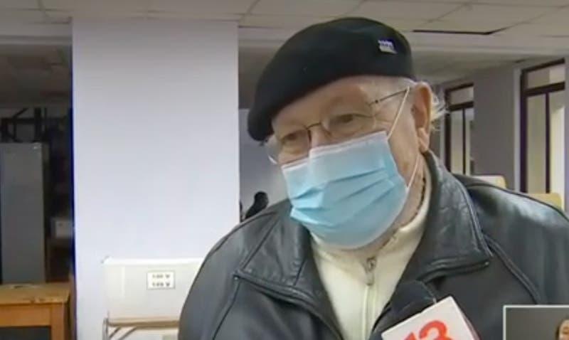 [VIDEO] Hombre de 85 años no pudo votar porque su mesa no estaba constituida