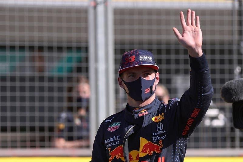 """Verstappen no oculta su enojo con Hamilton tras choque que lo sacó de carrera: Fue """"peligroso"""""""