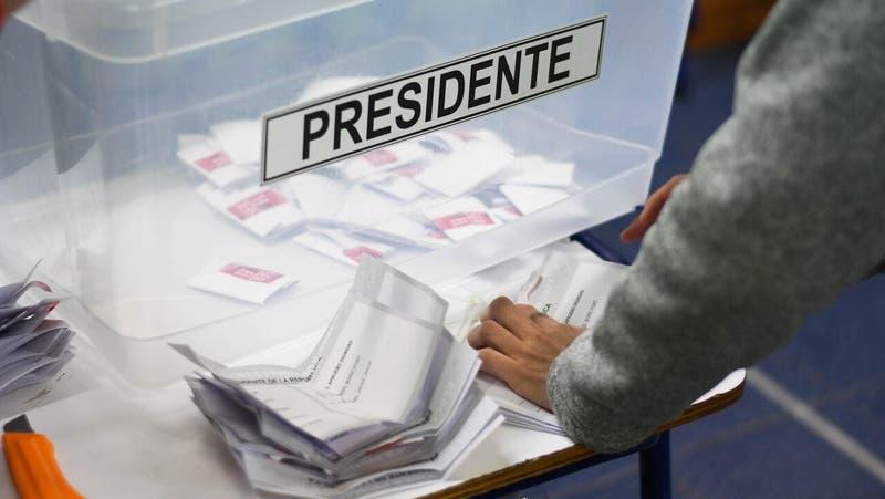 Voto en el exterior: Boric y Jadue obtienen 8 de cada 10 sufragios fuera del país