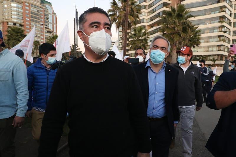 """Desbordes afirma poner a disposición de Sichel """"este proyecto, este trabajo de la derecha social"""""""