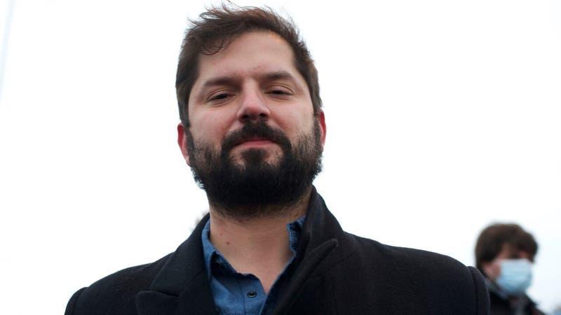 """""""Les prometo ser buen presidente"""": Revelan carta que escribió Gabriel Boric en tercero básico"""