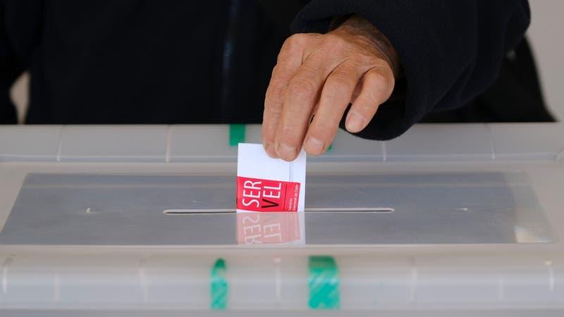 Voto obligatorio: Comisión de la Cámara aprueba idea de legislar sanciones y desincripción