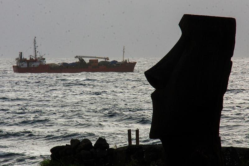 Armada alerta de marejadas en Rapa Nui desde este lunes hasta el jueves