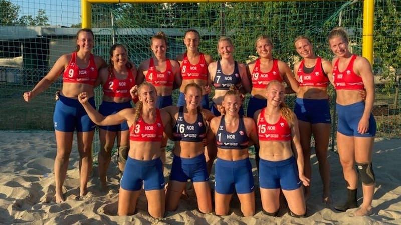 Polémica regla: selección noruega femenina en contra del uso de bikini en balonmano playa