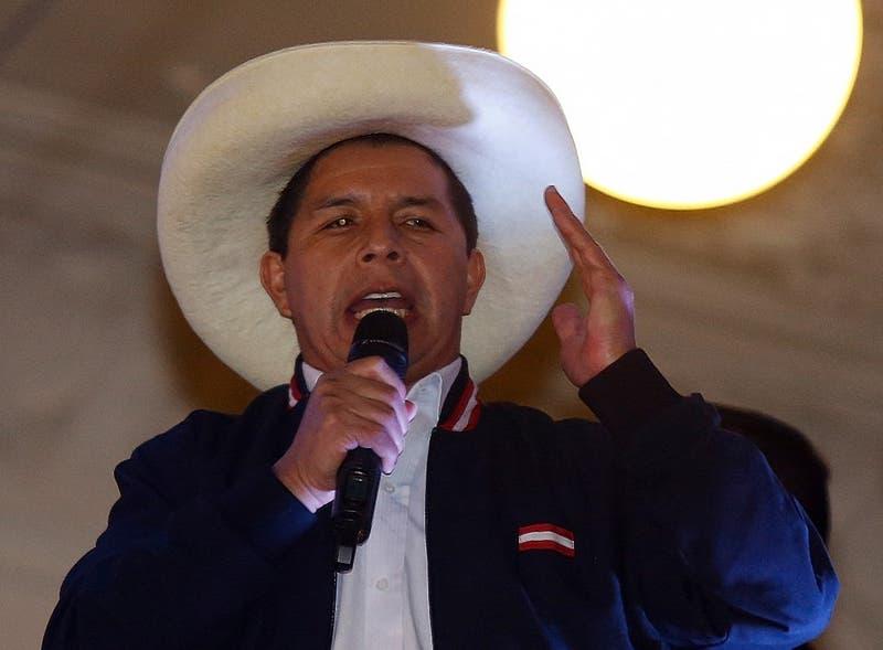 Presidente Piñera felicita a Pedro Castillo tras ser proclamado Presidente electo de Perú