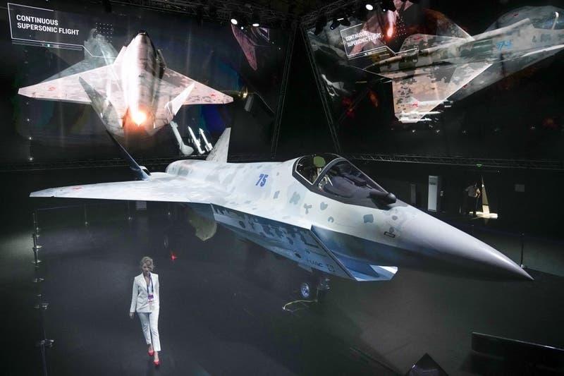 """""""Jaque Mate"""": Así es el nuevo avión militar ruso que busca competir con el F-35 de EEUU"""