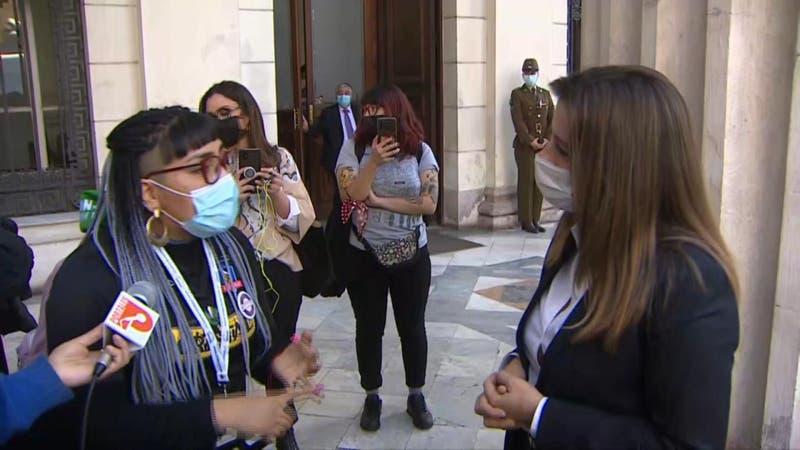 "Constituyentes acusan ""racismo"" de Teresa Marinovic contra la machi Francisca Linconao"