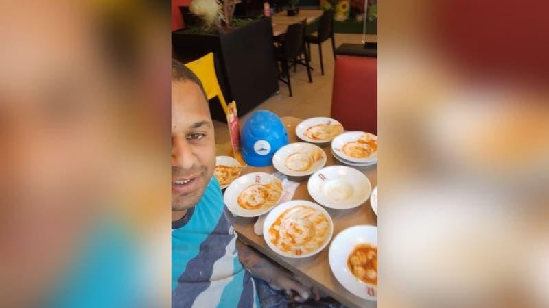 Hombre es expulsado de un tenedor libre tras comer 15 platos: Incluso solicitó 8 más
