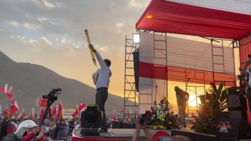 Pedro Castillo busca consensos para gobernar en Perú