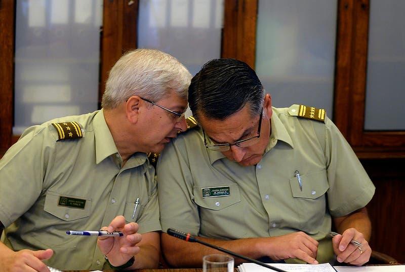 Violaciones a DD.HH: Amnistía Internacional pide investigar a generales Rozas (R) y Yañez