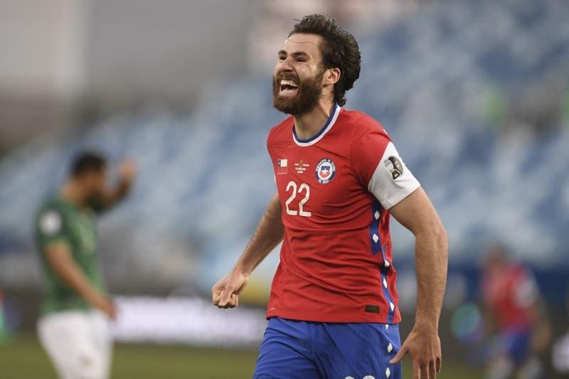 Con un guiño a Chile: La especial propuesta del Blackburn Rovers a Ben Brereton en su regreso