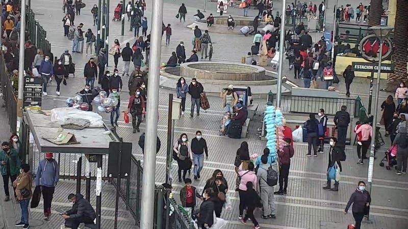 """""""Ambulantes en Fase 3"""": Alerta por alza del comercio ilegal"""