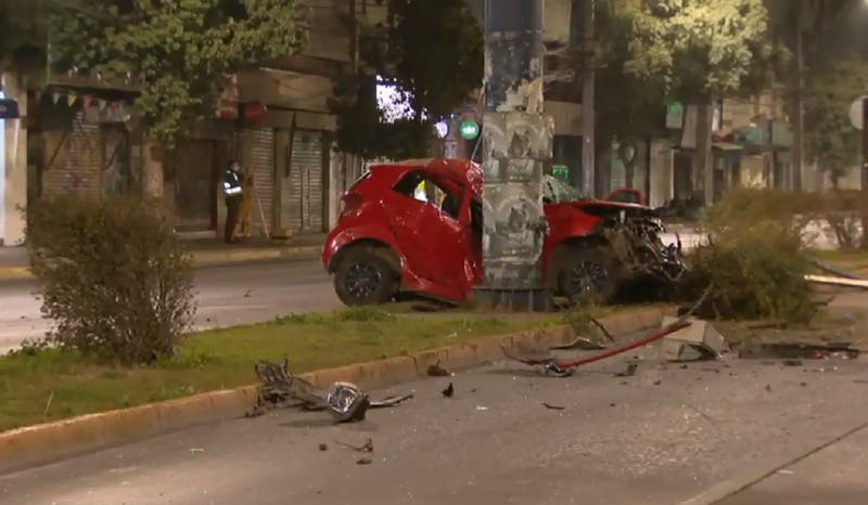 Mujer de 31 años muere tras chocar con un poste en San Miguel