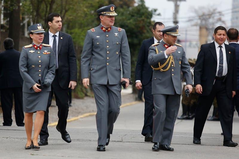 Contraloría dice que opiniones vertidas por el Ejército pueden afectar su carácter no deliberante