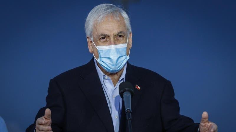 """Piñera asegura que ayudas sociales estarán """"todo el tiempo que sea necesario"""""""