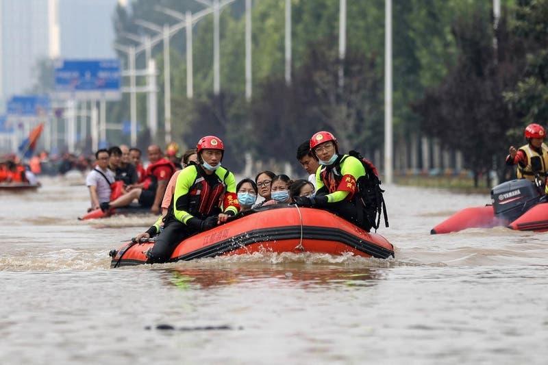 Sube a 51 muertos el balance de víctimas por inundaciones en China