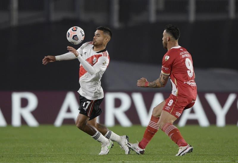 Paulo Díaz se lució con un golazo en goleada de River sobre Unión de Santa Fé