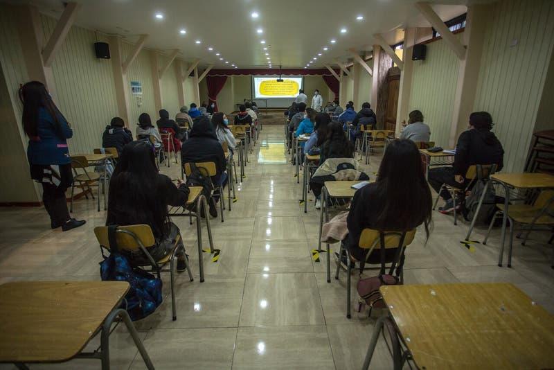 Colegio de Profesores asegura que 31 comunas de la RM no volverá a clases presenciales este lunes