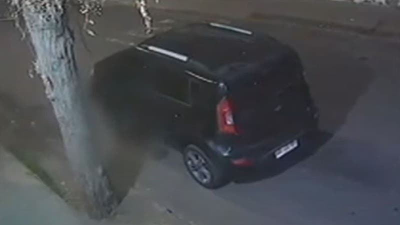 hombre está en riesgo vital tras ser atropellado dos veces por el mismo auto en Cerrillos