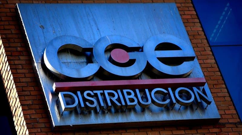 Firma china concreta compra de la CGE: Ex ministro de Bachelet se integra al directorio