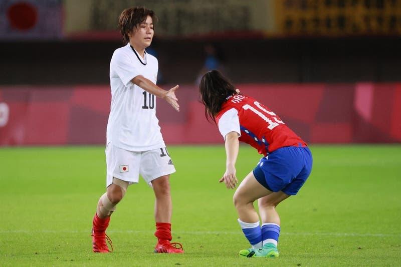 ¿Fue gol? El cabezazo que acercaba a Chile cuartos y generó polémica en el partido contra Japón