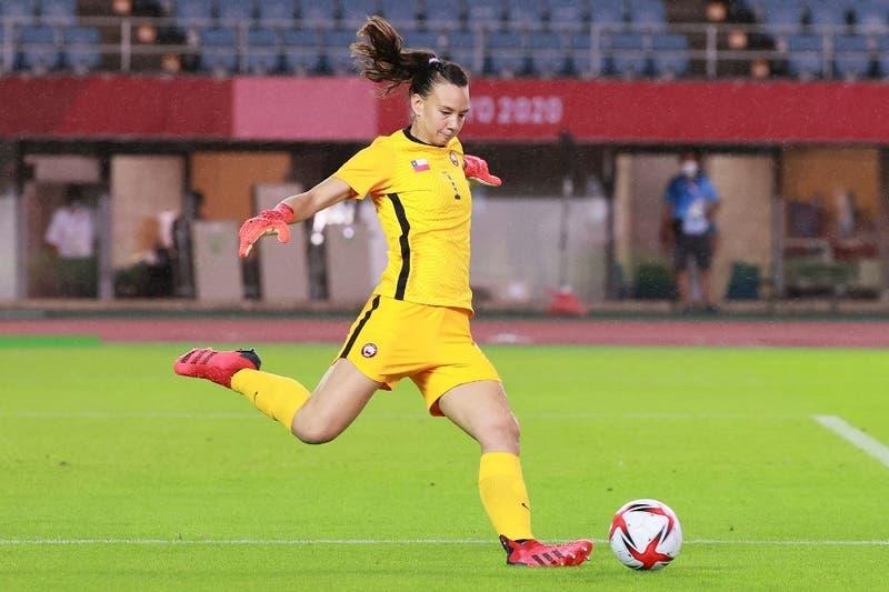 """""""VAR, ¿dónde estabas?"""": El reclamo de Christiane Endler tras el """"gol fantasma"""" de La Roja en Tokio 2020"""