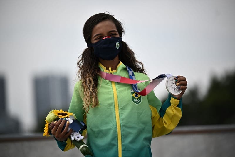 Diputado brasileño pide evaluar legalización de trabajo infantil tras medalla de skater de 13 años