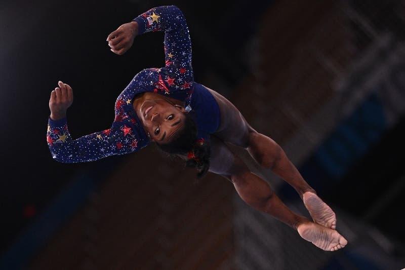 Anuncian retiro de Simone Biles de la final individual de gimnasia en los Juegos Olímpicos de Tokio