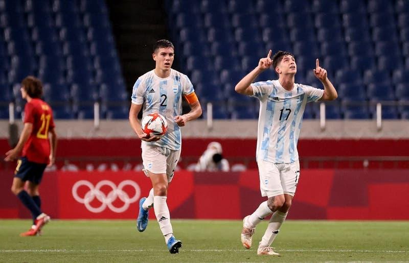 """""""Adiós hermanitos"""": La burla del brasileño Douglas Luiz tras eliminación de Argentina de Tokio 2020"""