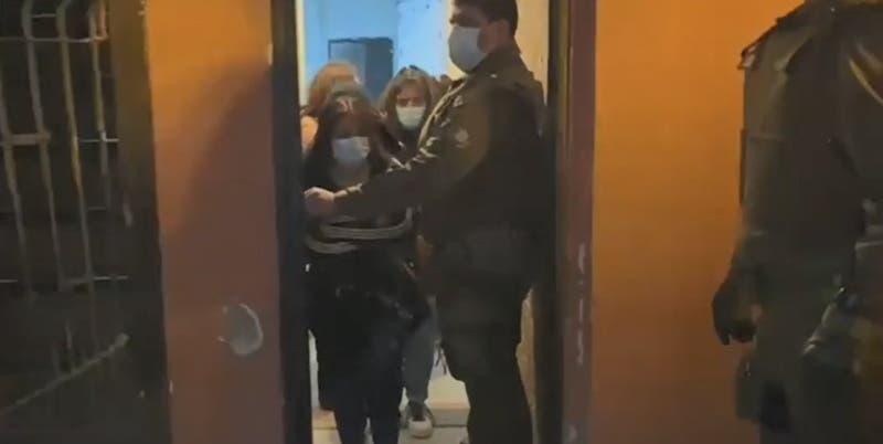 Carabineros detuvo a 38 personas en fiesta clandestina de Cerro Navia