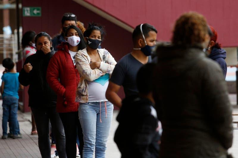 Venezolanos lideran con 30,7% la población extranjera en Chile: le sigue Perú y Haití