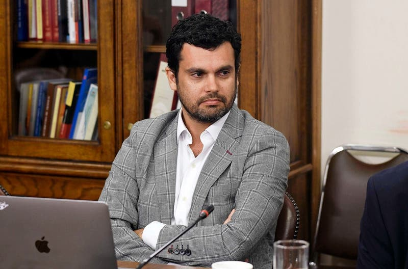 """Bassa espera que en septiembre se esté """"deliberando el contenido de la nueva Constitución"""""""