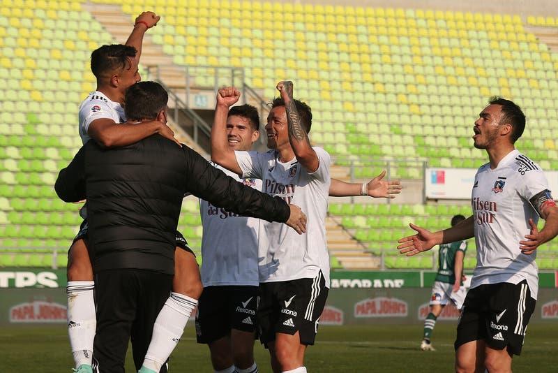 Colo Colo golea a Santiago Wanderers y acecha a La Calera y a la UC en la cima de la tabla