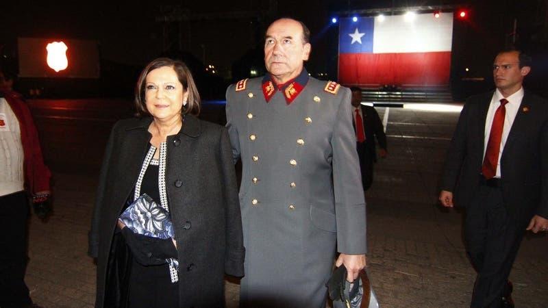Dictan arraigo nacional contra Ana María Pinochet tras formalización por lavado de dinero