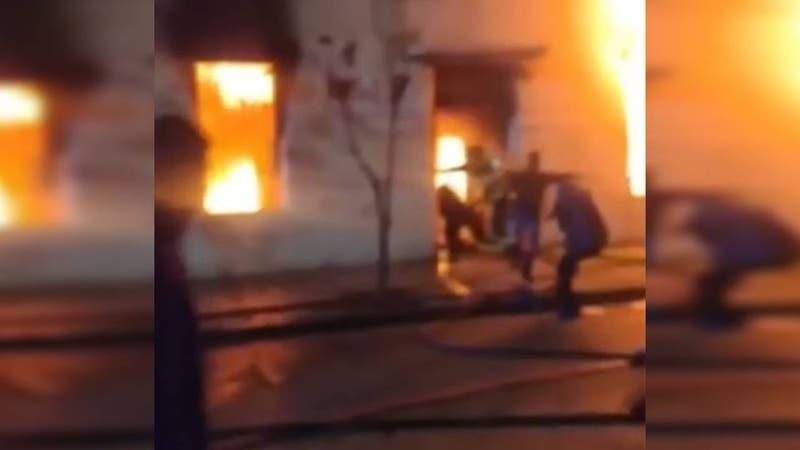 Investigan causas de incendio en residencia de adultos mayores que dejó seis fallecidos