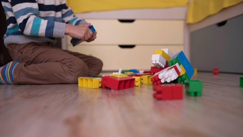 Niño de cuatro años es encontrado muerto dentro de su baúl de juguetes