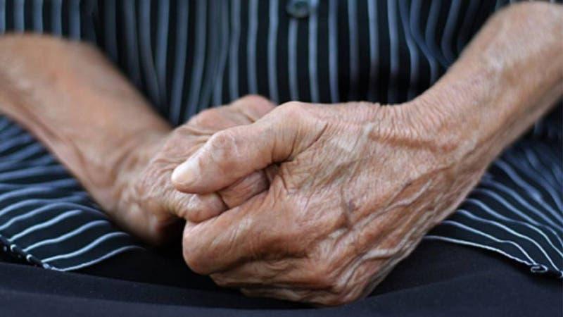 Denuncian abuso sexual contra mujer de 87 años y con alzheimer en hogar de ancianos en Argentina