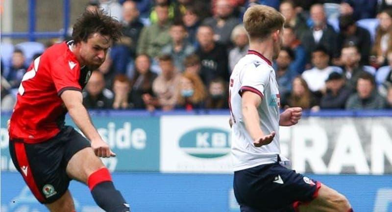 Ben Brereton se luce anotando un doblete en empate del Blackburn Rovers