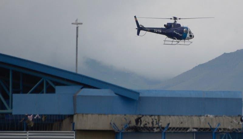 Un muerto y cuatro heridos tras enfrentamiento al interior de una cárcel en Ecuador