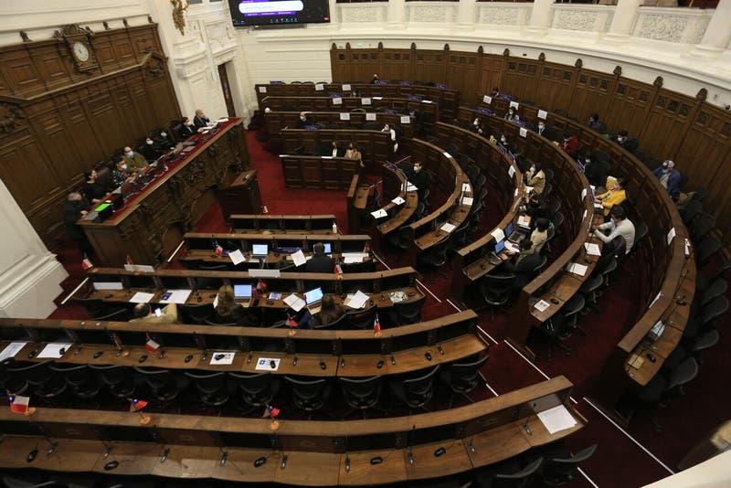 Encuesta Cadem: cae un 8% la confianza en la Convención Constituyente