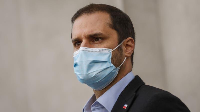 """Bellolio valora que rezagados se vacunen """"en nombre de la patria"""" y anuncia plan para """"un 18 seguro"""""""